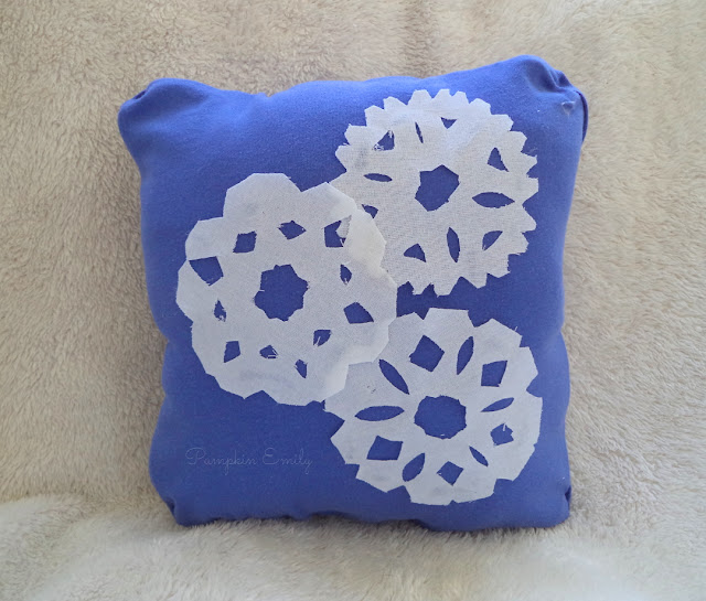 DIY No Sew Snowflake Pillow