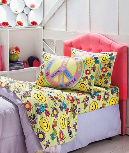 Peace Sign Bedroom Accessories: Bedroom Decor Ideas And Designs: Peace Sign Bedding Ideas