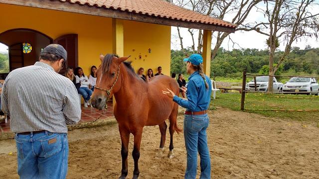 CURSO DE FISIOTERAPIA DAS FVR VISITA DR. HORSE RACH EM PARIQUERA-AÇÚ