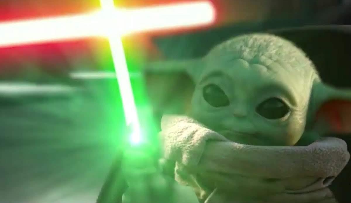 Baby Yoda vs Count Dooku :「スター・ウォーズ」の人気を独占のベイビー・ヨーダ VS. ドゥークー伯爵のファンメイドのアクション・クリップ ! !