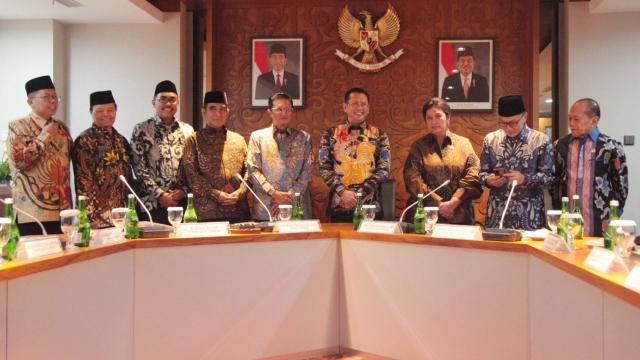 Mujahid 212: Jika Perpanjangan Masa Jabatan Presiden Dilakukan, Anggota MPR Harus Diturunkan Paksa