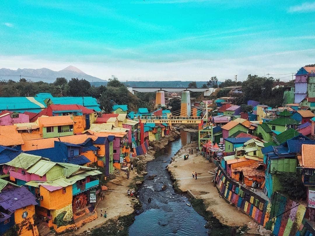 Harga Tiket Masuk Kampung Warna Warni Malang