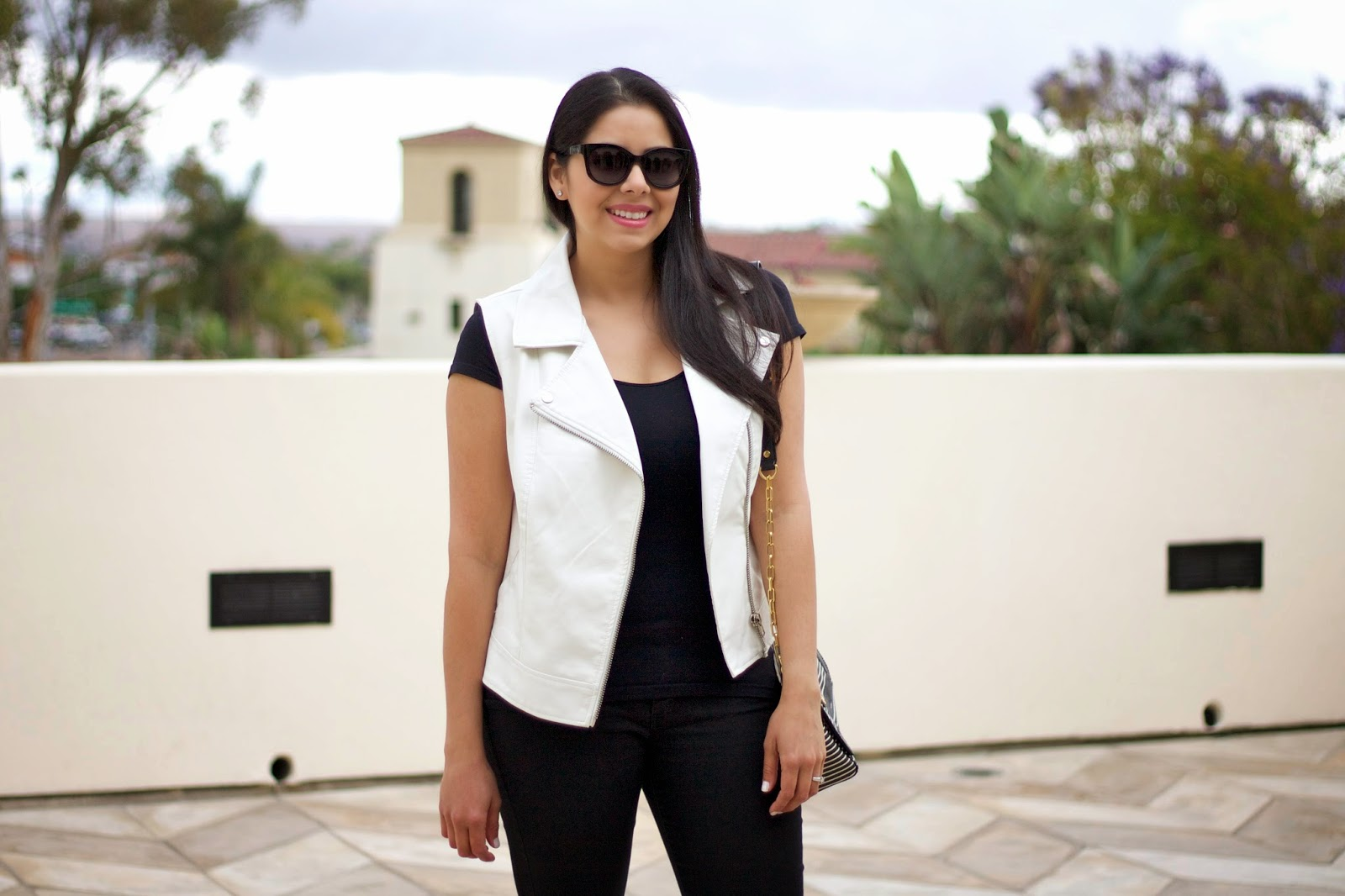 mexcan fashion blogger, black and white outfit, cool ootd, black and white ootd, zipper details on outfit