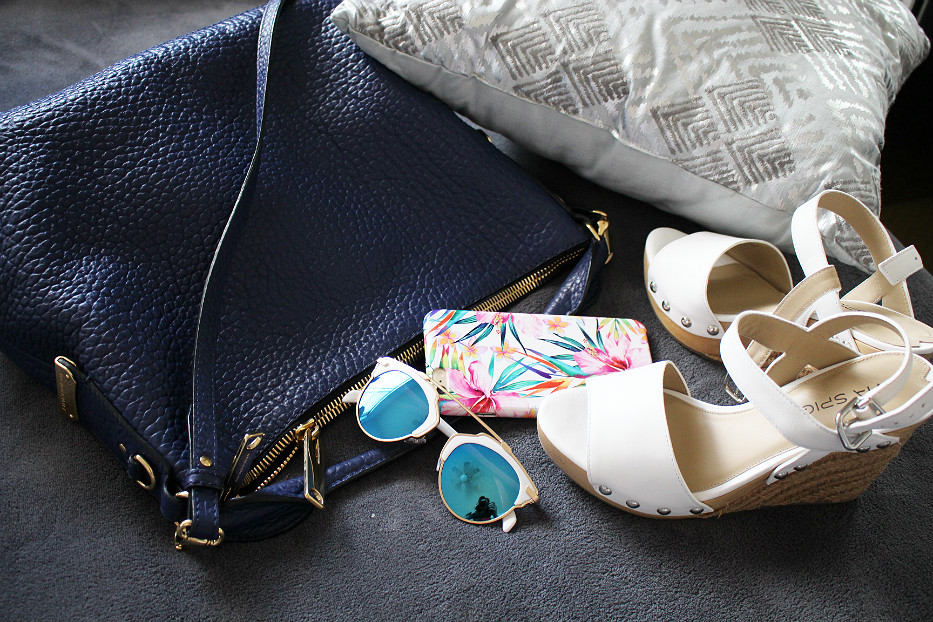 burberry ledbury hobo, zerouv sunglasses, via spiga wedges espadrille white