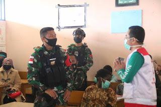 Satgas TNI Bersama Yayasan BSMI Adakan Khitanan Massal Gratis