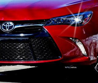 2016 Toyota Camry XSE Canada Features and Specifications