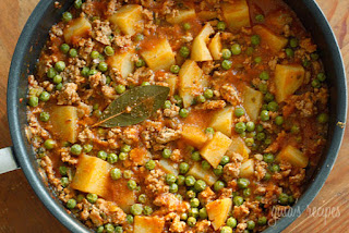 Sweet Peas with Ground Beef (Kiymali Bezelye)