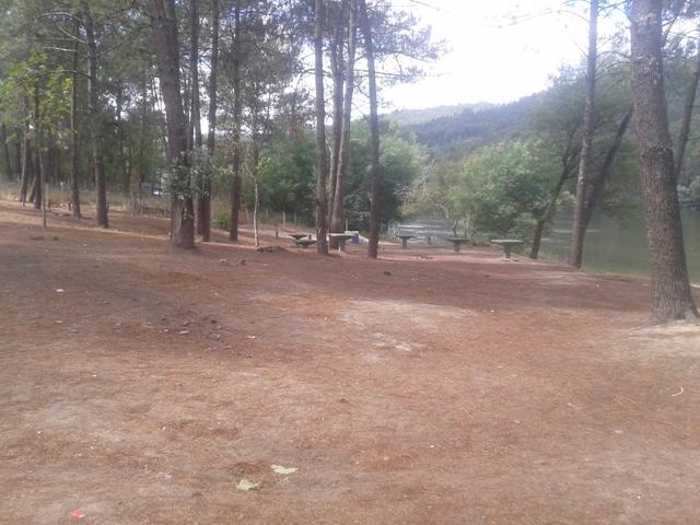 Parque Merendas com mesas de Cimento