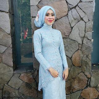 model kebaya jilbab biru modern