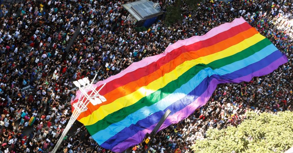 Navegando Por Aí: mercantilização do Pride Month - Pink Money