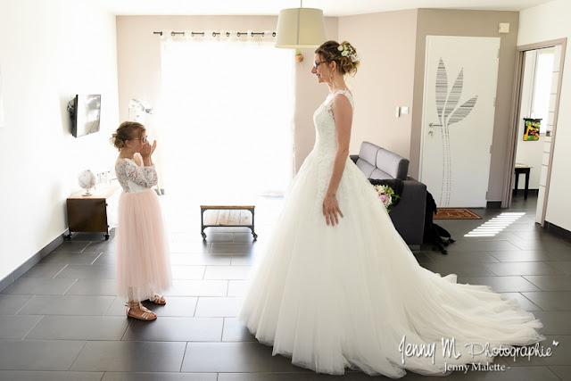 photo découverte de la mariée par sa fille