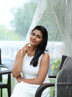 Kruthika Jayakumar glamorous Stills-cover-photo