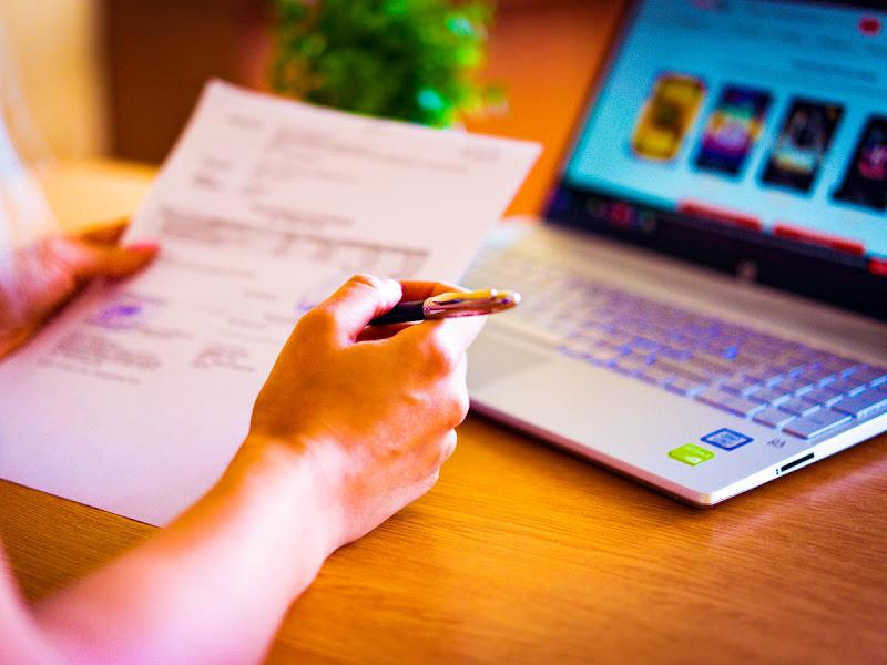 Cursos on-line gratuitos são oportunidades para atualizar currículo