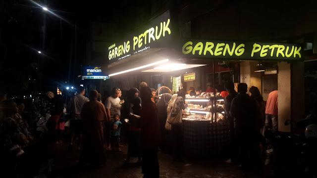 Angkringan Gareng Petruk, Sensasi Sajian Street Food Khas Jogja