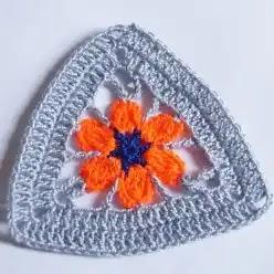 Granny Triángulo Flor