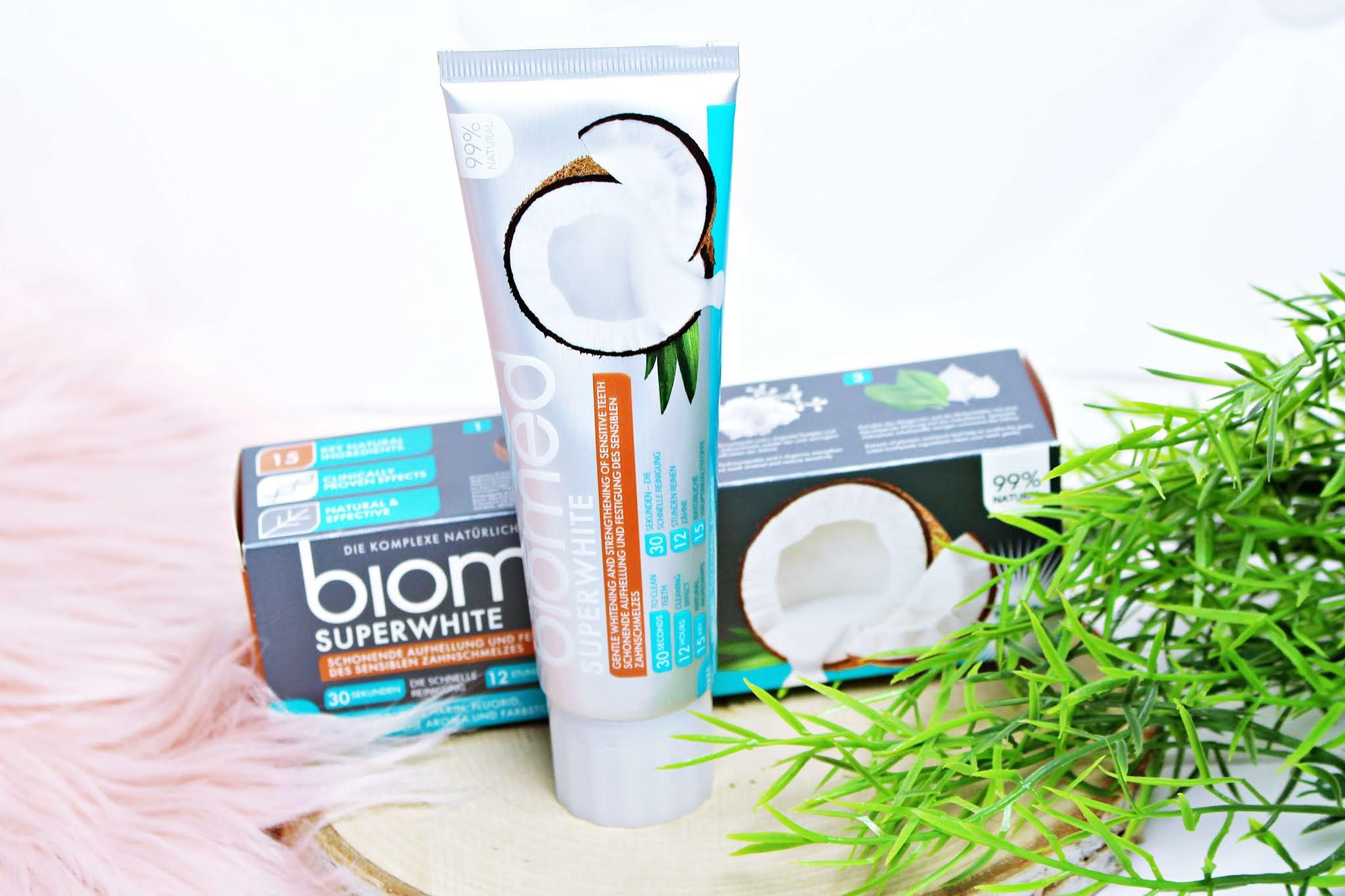 Pasta do zębów bez fluoru Biomed Superwhite wybielająca z kokosem
