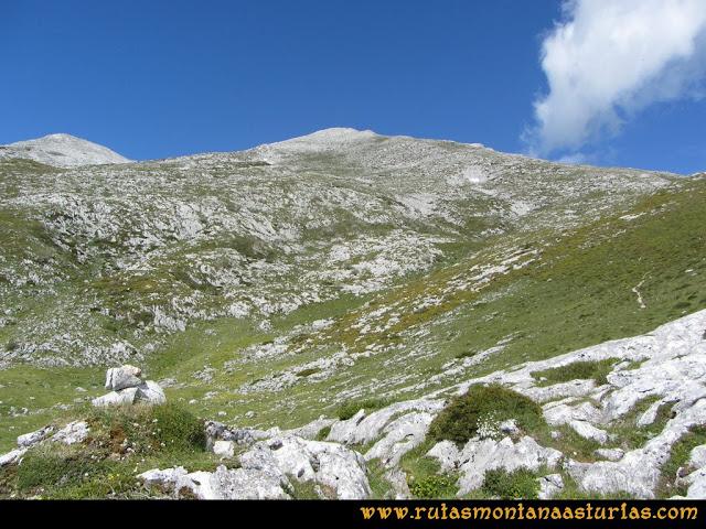 Ruta Lindes - Peña Rueda - Foix Grande: En el praón