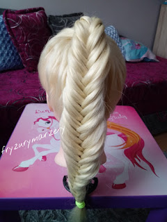 Prosta fryzura dla dziewczynek-latwy warkocz