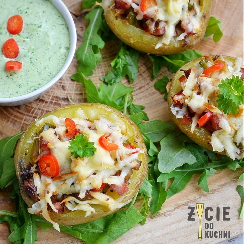 ziemniaki zapiekane, oscypek, kielbasa lisiecka, ziemniaki faszerowane, malopolska do zjedzenia, zycie od kuchni