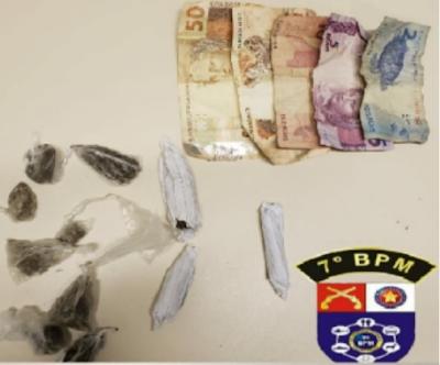 Em Pão de Açúcar, polícia prende jovem de 21 anos e apreende um adolescente de 16 anos com 55 gramas de maconha e R$ 117 reais