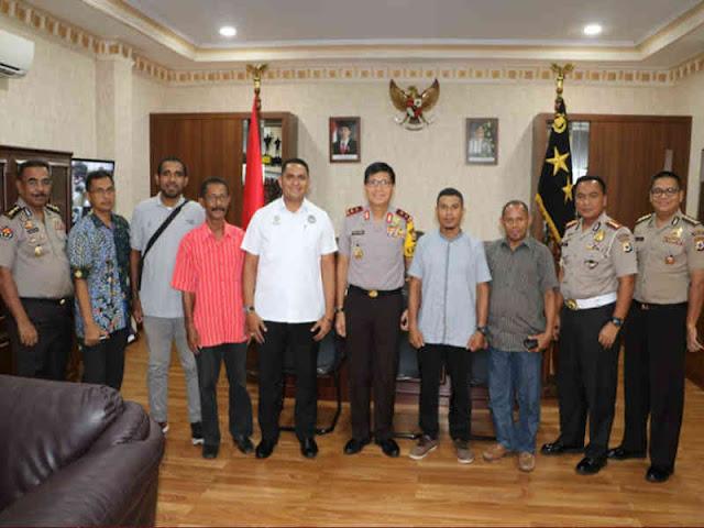 Royke Lumowa Terima Kunjungan Pengurus PSSI Maluku