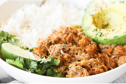 PERFECTLY SEASONED CROCKPOT MEXICAN CHICKEN