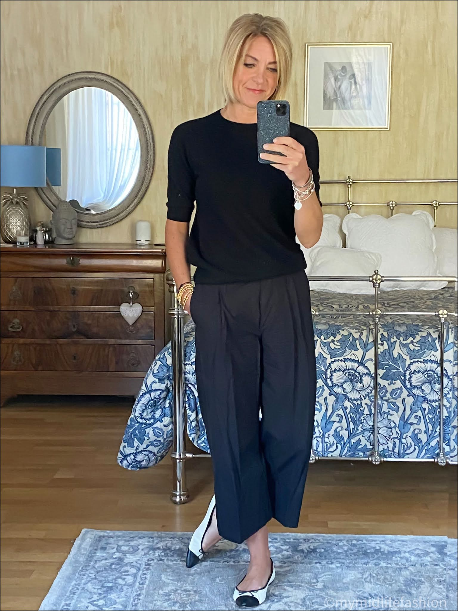 my midlife fashion, h and m short sleeve crew neck cashmere jumper, saint and Sofia shore ditch culottes, j crew two tone pointed ballet flats