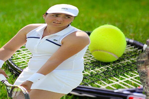 أُنس جابر ملهمة لاعبات التنس العربيات