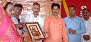 #JaunpurLive : नवनिर्वाचित प्रधान व बीडीसी को भाजपा ने किया सम्मानित
