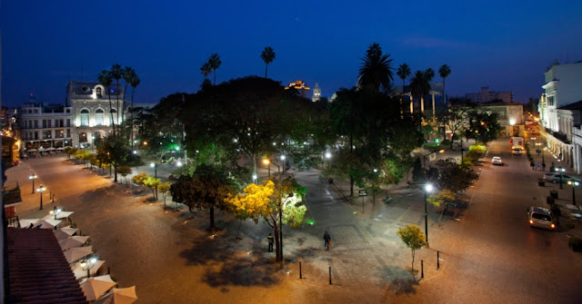 Praça 9 de Julho em Salta, Argentina