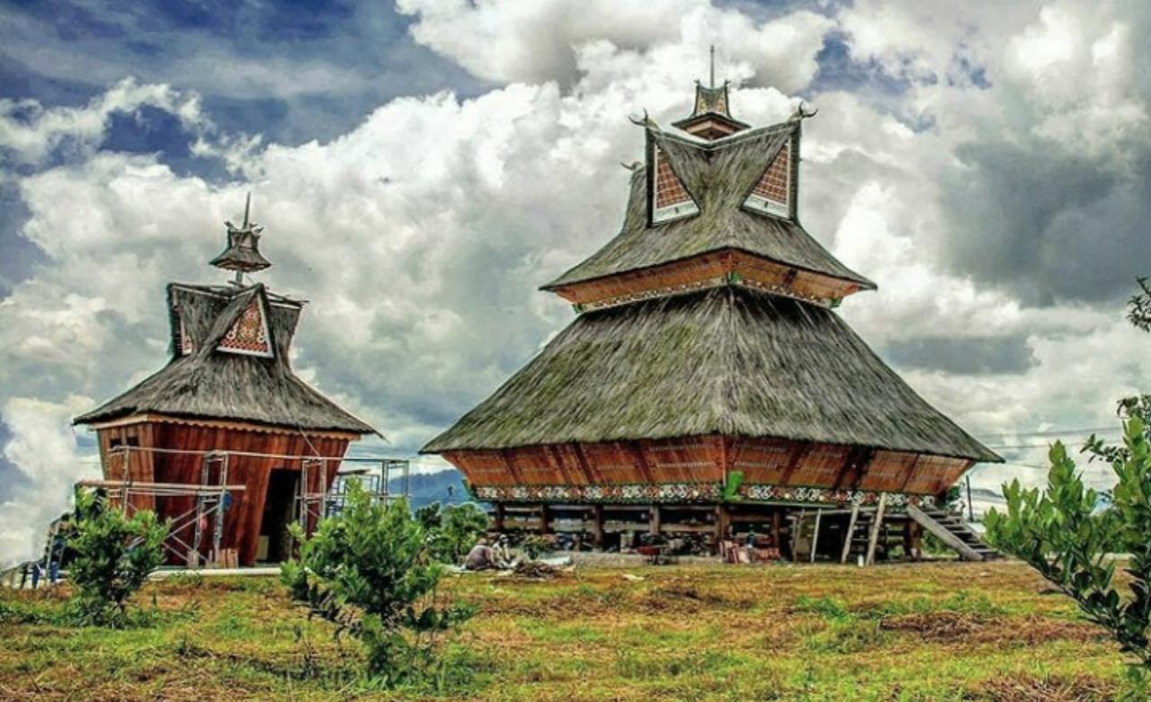 Rumah adat dari medan sumatera utara