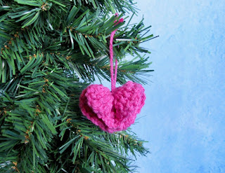 https://www.etsy.com/listing/637574357/circle-of-hearts-ornament-crochet?ref=shop_home_active_5