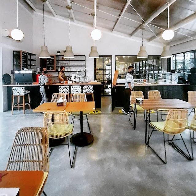 Kira Cafe Resto Tangerang Selatan Banten