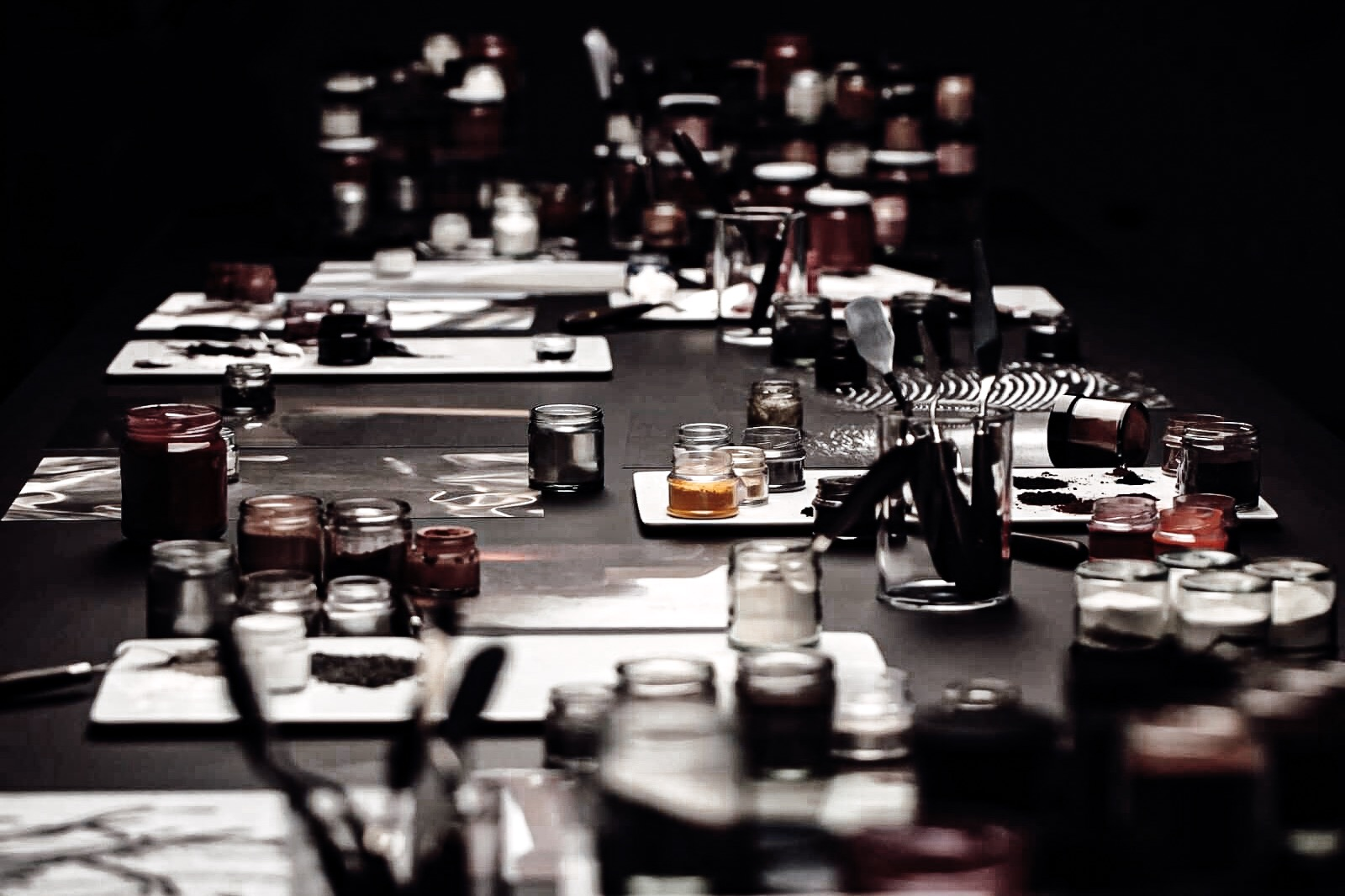 chanel-collection-maquillage-automne-hiver-2019-noir-et-blanc