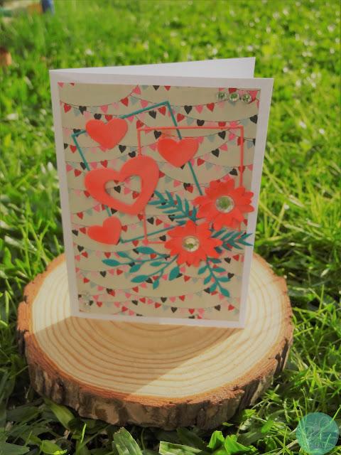 https://www.sizzix.co.uk/664377/sizzix-thinlits-die-set-12pk-geo-floral-frame