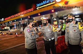 Long Weekend Maulud Nabi 2020, Arus Lalu Lintas Di Tol Semarang - Batang Padat