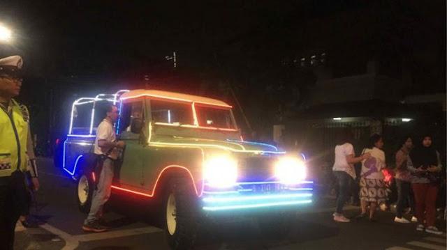 Jokowi-Maruf ke KPU Pakai Kendaraan Berlampu Warna-warni, Jansen Sitindaon: Seperti Mobil Sirkus