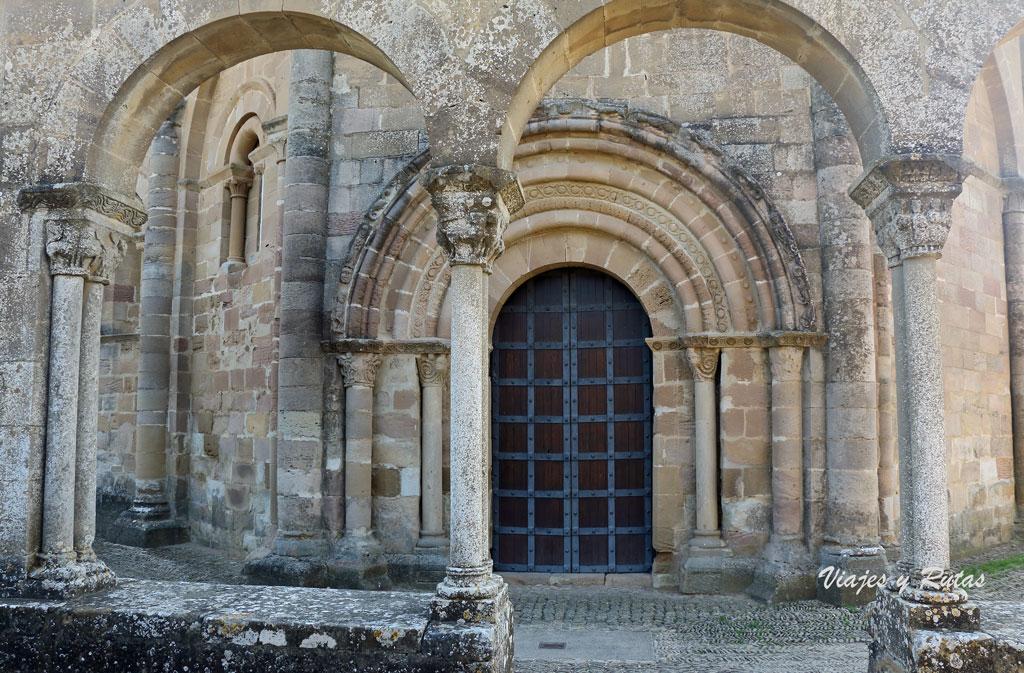 Portada de Santa María de Eunate