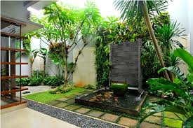 Taman denga kolam minimalis