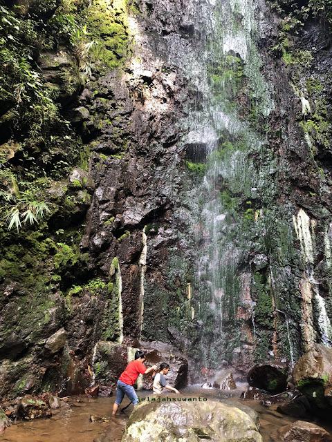 Bermain air di Curug Badak Batu Hanoman Tasikmalaya || JelajahSuwanto