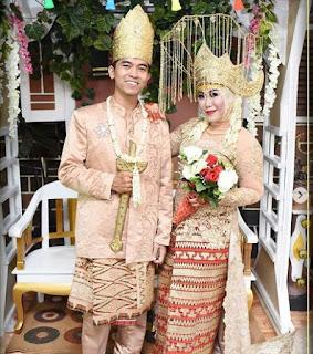 Pakaian adat Lampung Maju Melinting Pesisir