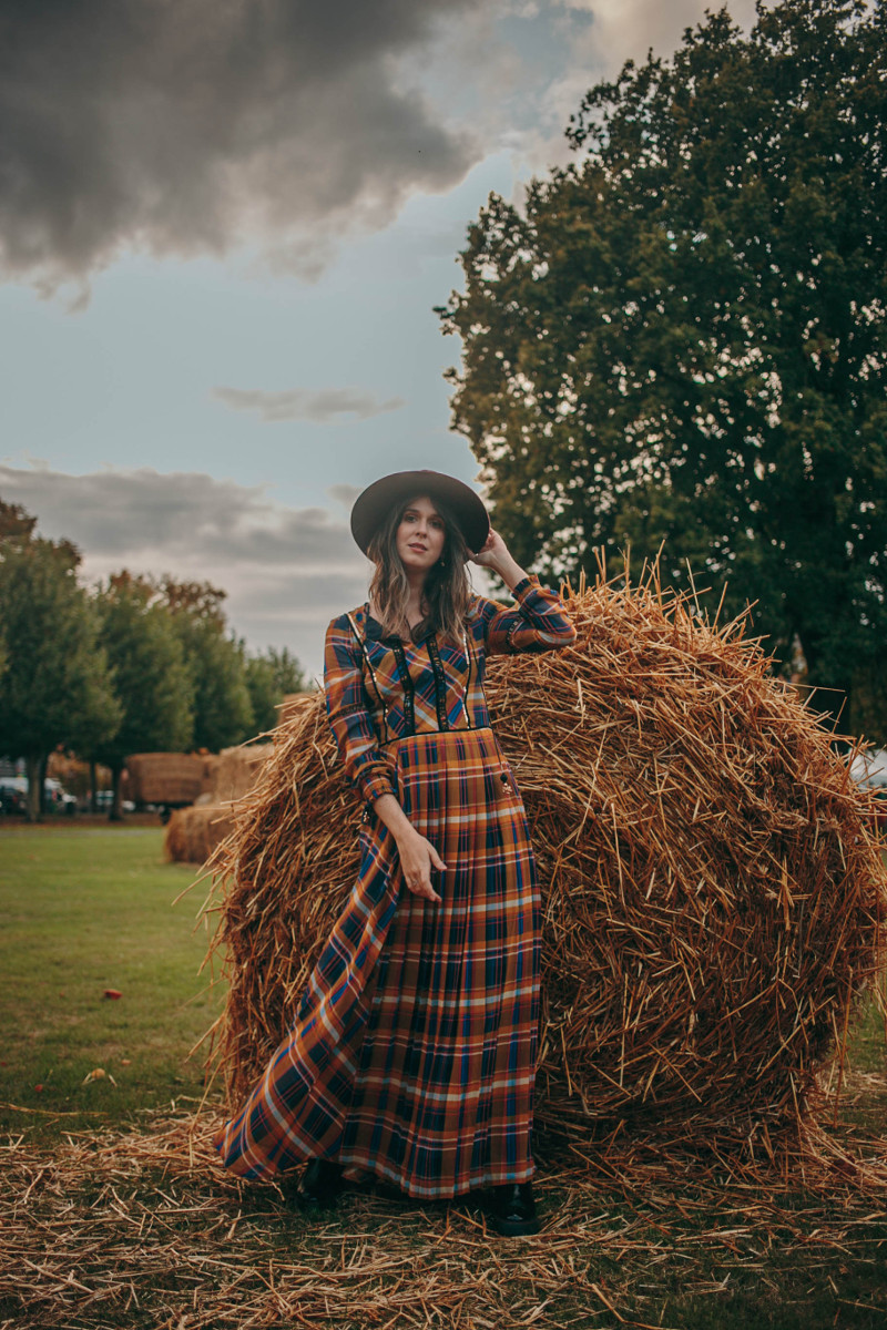 fall outfit with plaid maxi dress