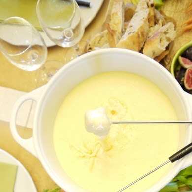 Authentic French Cheese Fondue Savoyarde Recipe