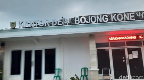 Detik-detik Massa Rusak Kantor Desa Bojong Koneng Imbas Sengketa Lahan