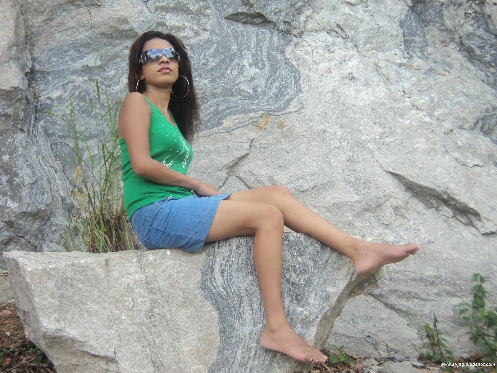 Srilankan Actress Sri Lanka Model Aloka Weerasinghe Hot -7197