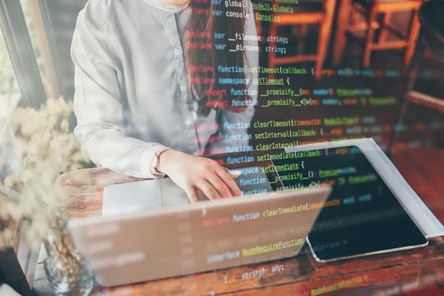 Perbedaan Ketersediaan Kode antara Open Source dengan Closed Source