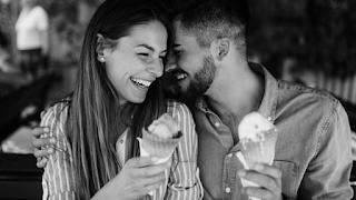 «Εγώ θα σ' αγαπώ κι ας είσαι μπατιράκι»