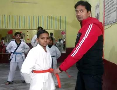 Karate Orange Belt Meaning in Hindi | जानिए कराटे में संतरी बेल्ट का मतलब।