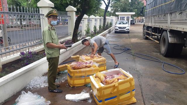 Tuồn gần 3 tạ thịt lợn thối từ Quảng Ngãi vào Đắk Lắk tiêu thụ
