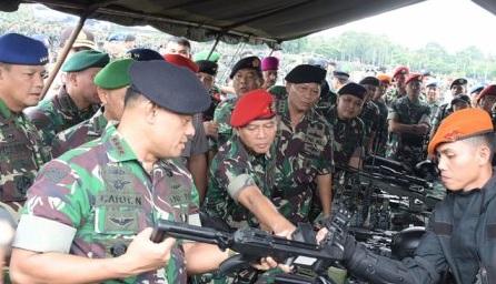 "Presiden Beli 5 Ribu Senjata Ilegal, Jenderal Gatot Nurmantyo Sebut  ""Kami Akan Menyerbu"" - Lensapos.com"